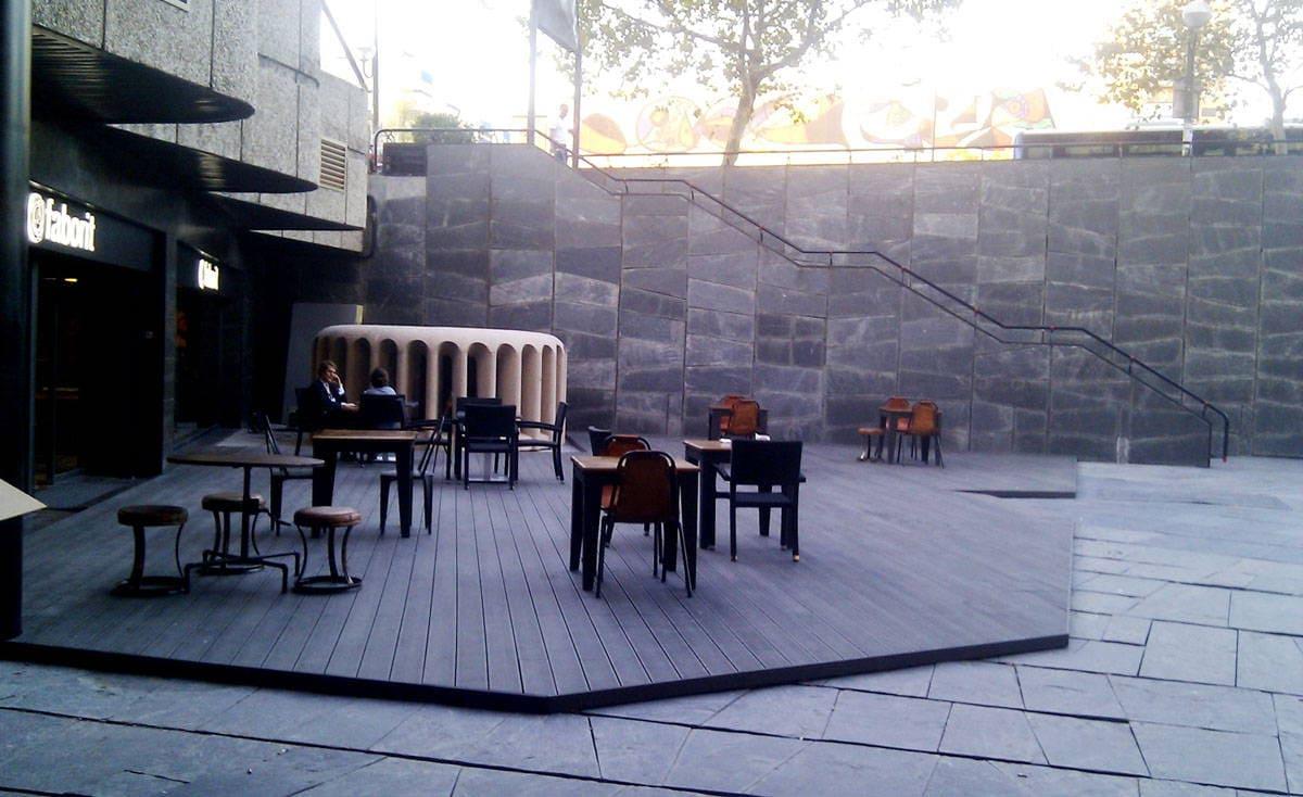 Tarima exterior en madera sintetica ltima tecnolog a en - Suelos exteriores de jardin ...
