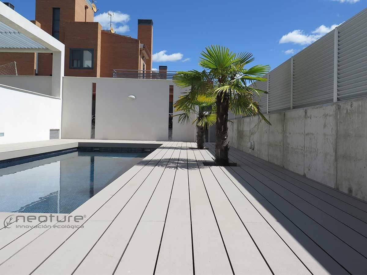 Tarima sint tica de exterior neoteck for Tarima piscina