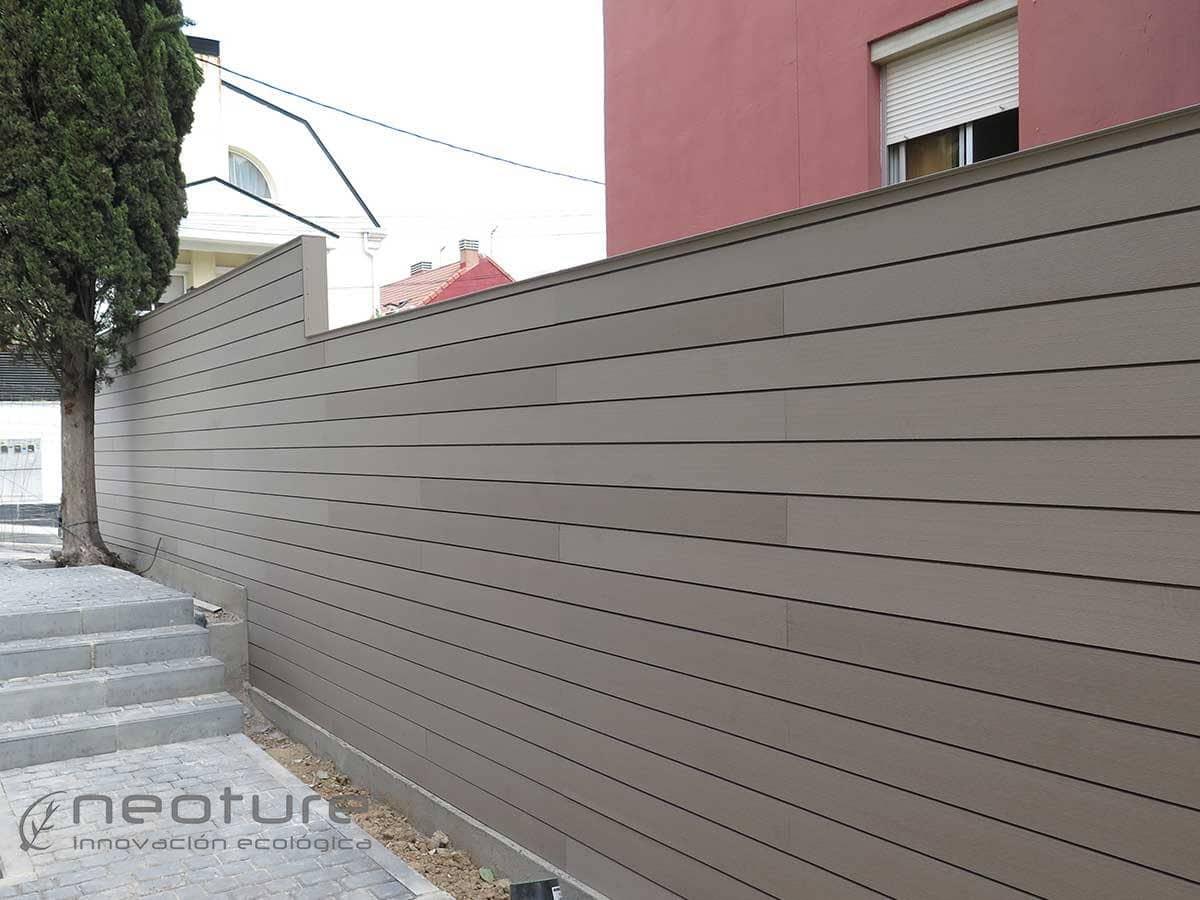 Cerramiento madera sintetica neoblock for Madera jardin exterior