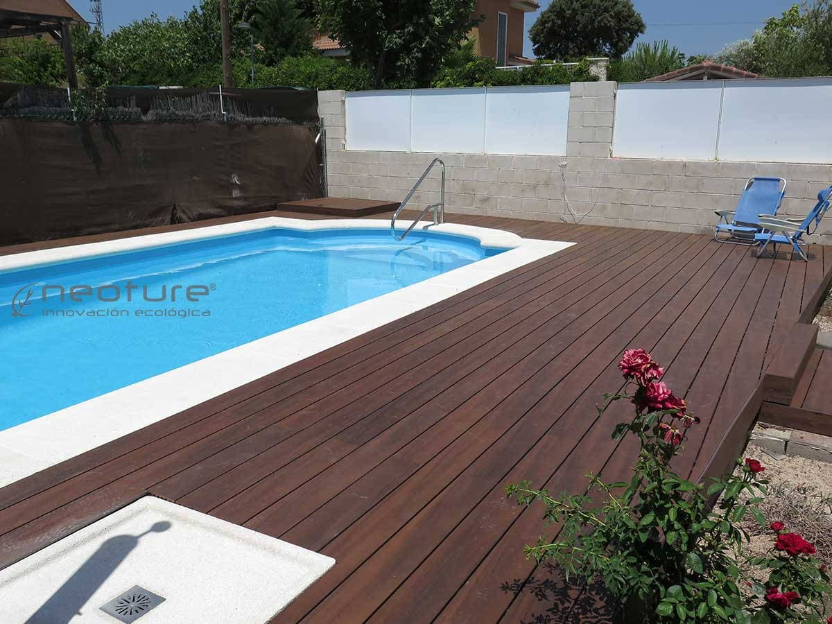 Neocros restaurant wpc decking for Piscinas de madera baratas