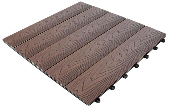 La baldosa composite para terraza el suelo de exterior for Astillas de madera para jardin